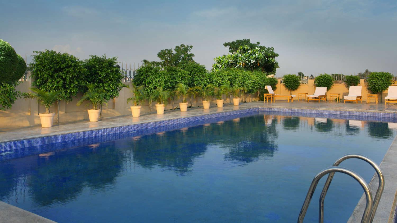Seyfert sarovar portico hotels in dehradun 4 star hotels - Swimming pool in vaishali ghaziabad ...