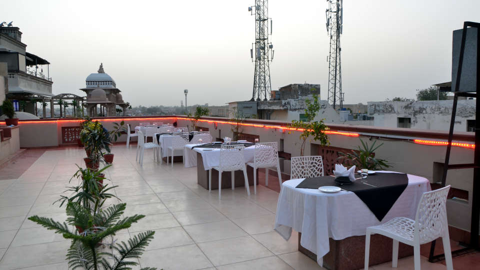 Hotel Trisha Bhoomi Residency, Agra Agra Restaurant Hotel Trisha Bhoomi Residency Agra 2