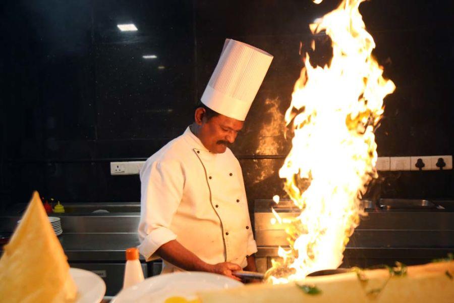 alt-text Zaffran Restaurant , The Bristol Hotel, Gurgaon, Dining In Gurgaon 2399
