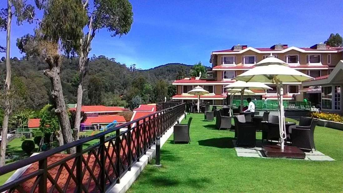 Lawns and Greenery at The Carlton 5 Star Hotel, Kodaikanal luxury hotels