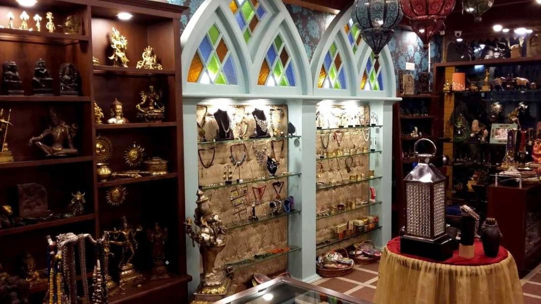 Mantra Art Shop at hotel mount view 10