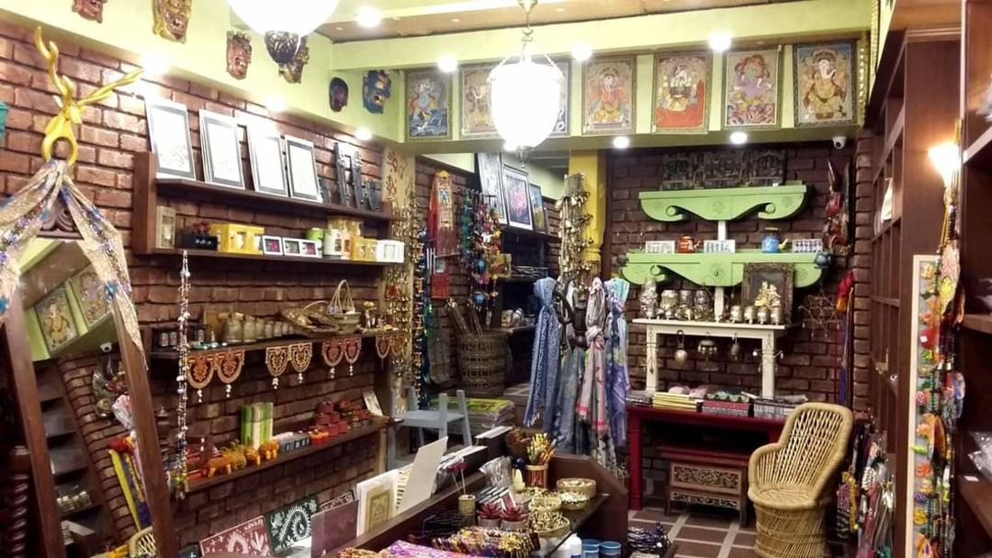 Mantra Art Shop at hotel mount view 11