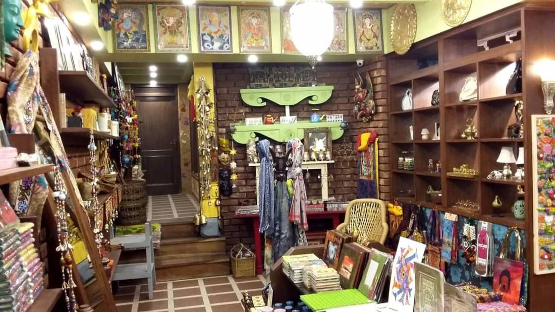 Mantra Art Shop at hotel mount view 12