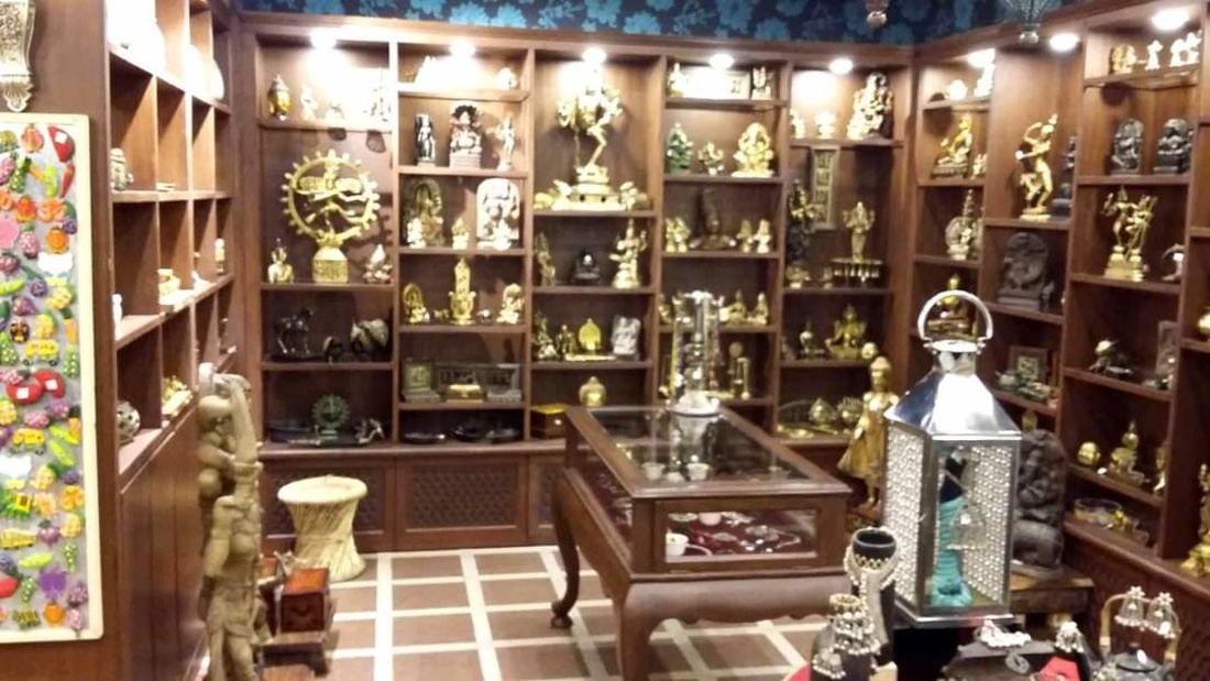 Mantra Art Shop at hotel mount view 7