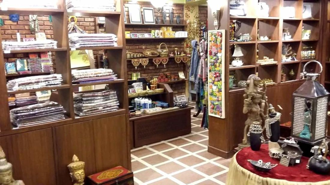 Mantra Art Shop at hotel mount view 8