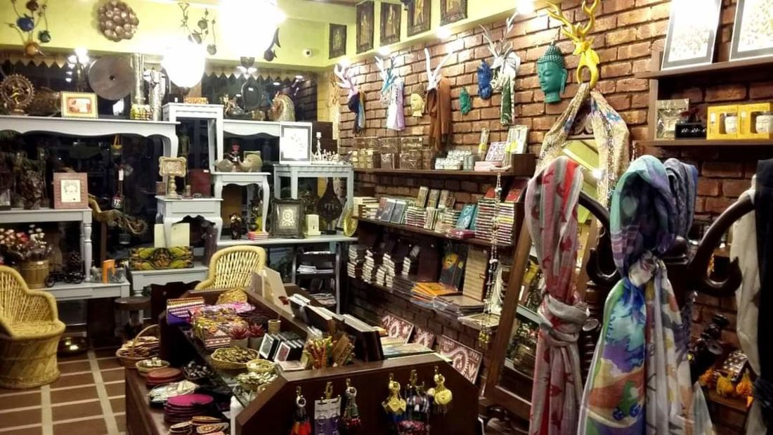 Mantra Art Shop at hotel mount view 9