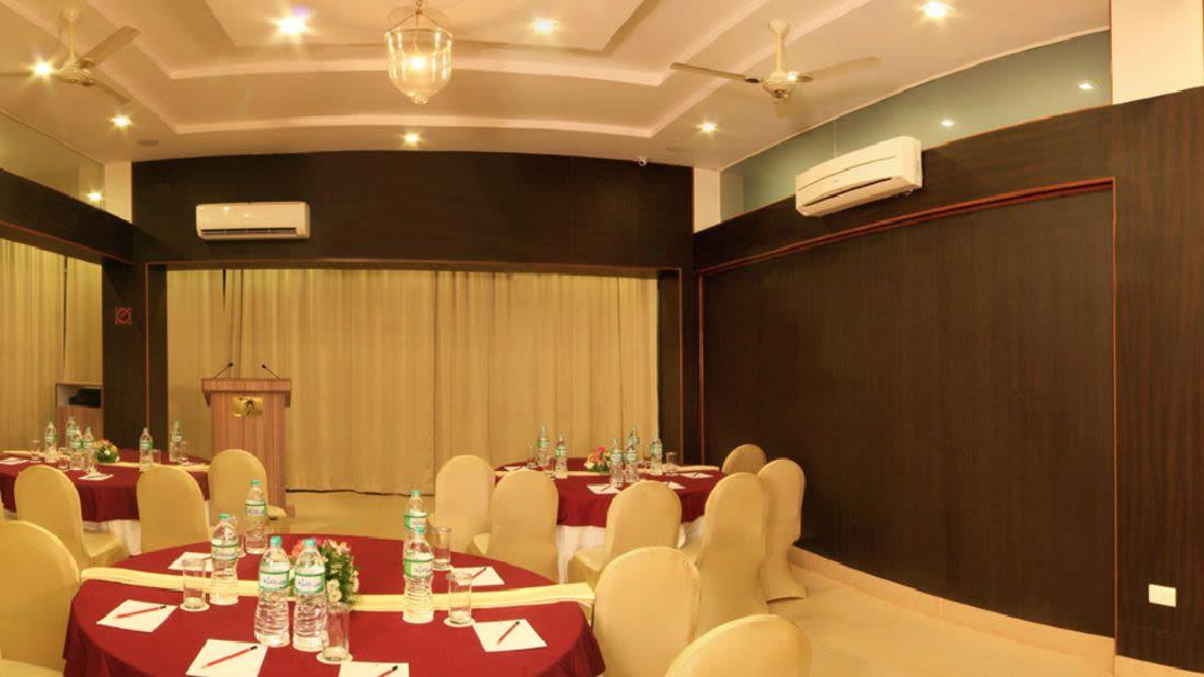 Banquet Hall Ocean Palms Hotel Goa i6capn