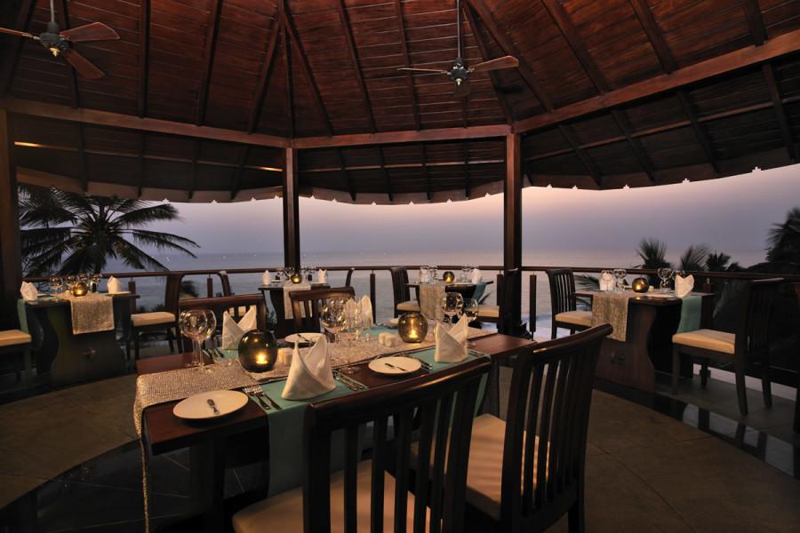 alt-text Restaurant at Niraamaya Retreats Surya Samudra, Kovalam Beach Resort 7
