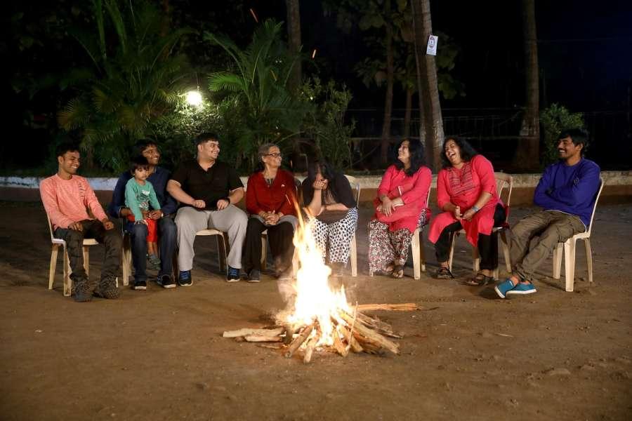 alt-text Campfire - Sajan