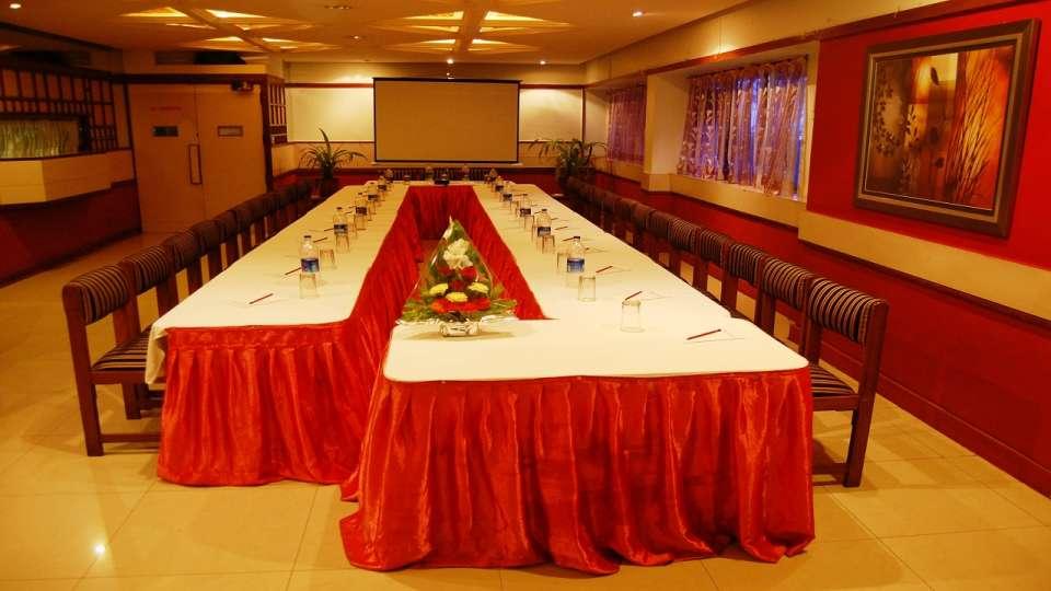 Hotel Raviraj, Pune Pune suryamahall hotel raviraj pune