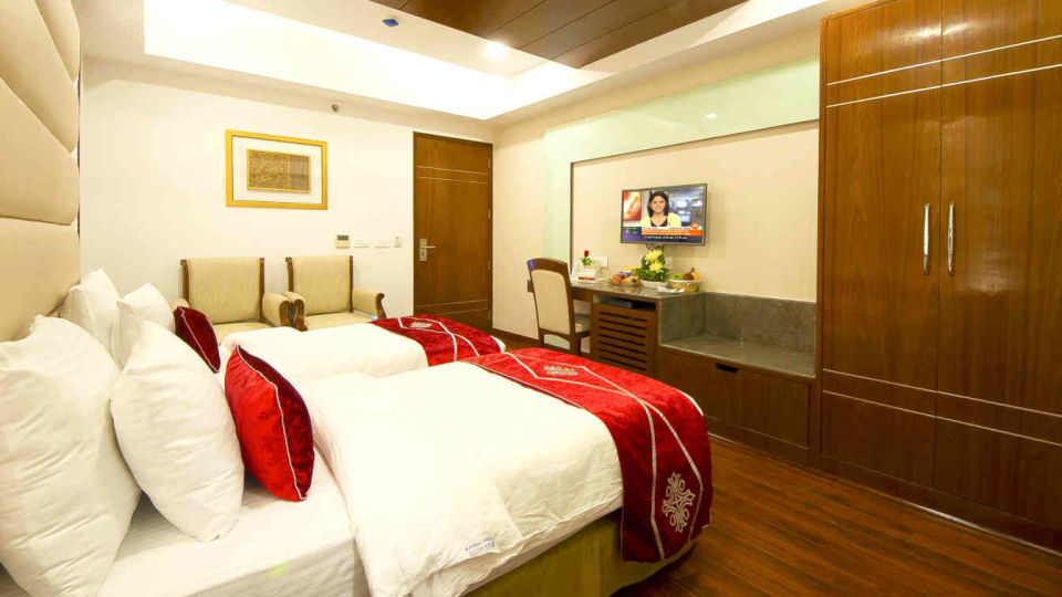 Hotel Swaran Palace, Karol Bagh, New Delhi New Delhi Executive Club Room Hotel Swaran Palace Karol Bagh New Delhi 4