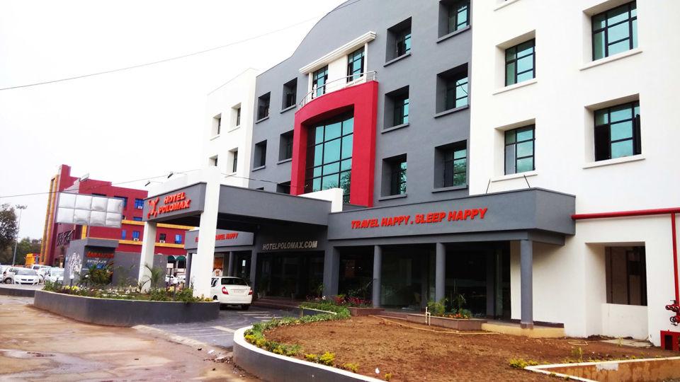 Exterior Hotel Polo Max Jabalpur 2