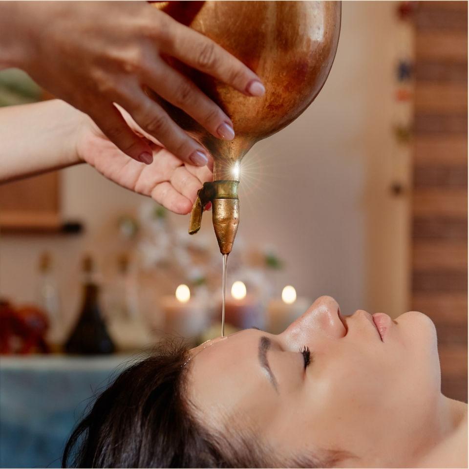 Massage - Shirodhara