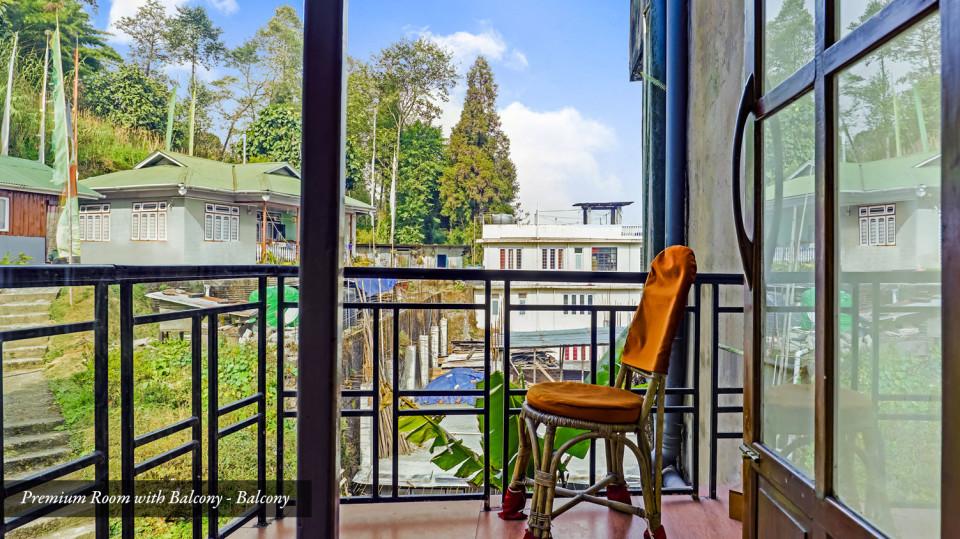 Premiumroom-with-balcony9