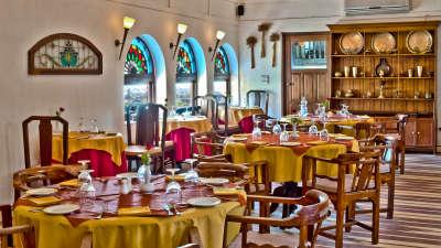 Kanak Mahal Restaurant, Neemrana Fort Palace, restaurants in Rajasthan