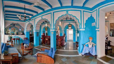 Raj Mahal Bar, Neemrana Fort Palace, restaurants in Rajasthan