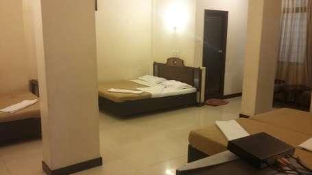 Hotel Suvarna Regency, Hassan Hassan 6 bed room at hotel suvarna regency in Hassan city
