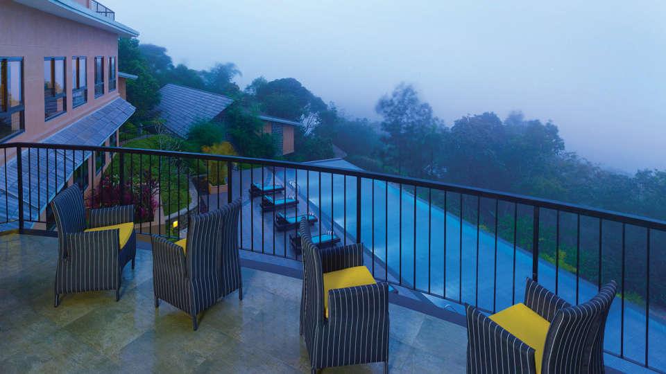 Swimming pool, poetree sarovar portico thekkady, resorts in kerala thekkady7