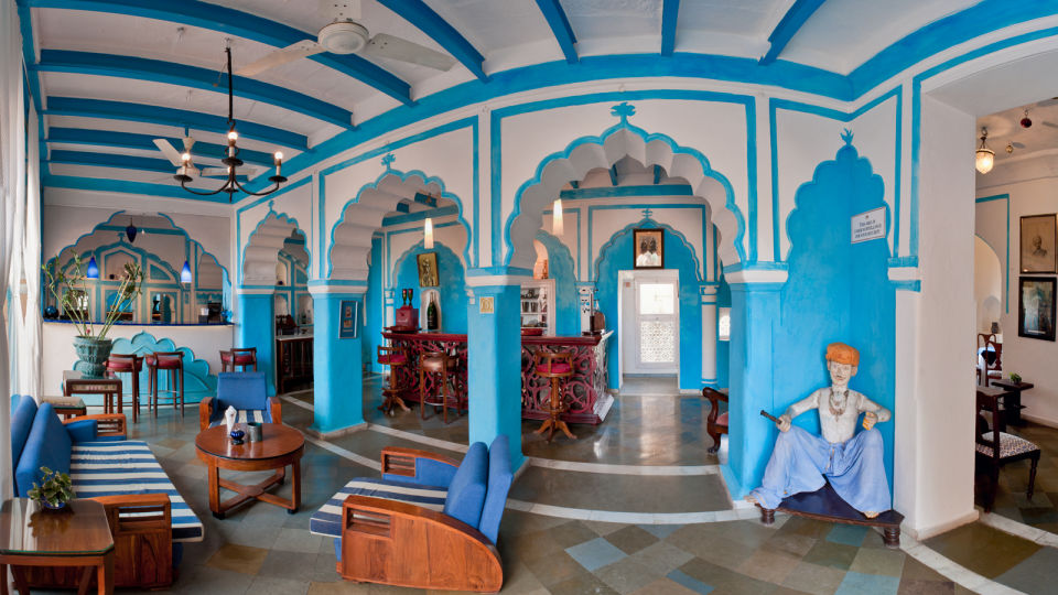 Raj Mahal Bar, Neemrana Fort Palace, restaurants in Rajasthan