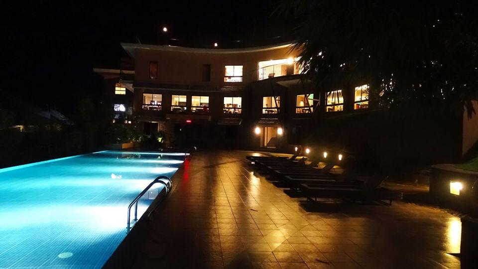 Swimming pool, poetree sarovar portico thekkady, resorts in thekkady 9