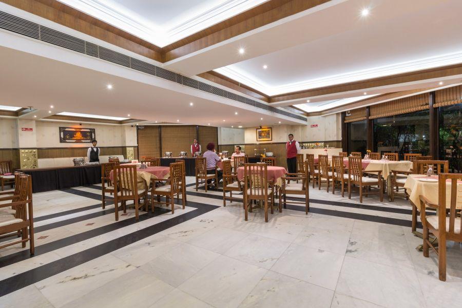 alt-text paradise restaurant, Hotel Pacific Mussoorie, top restaurants in Mussoorie