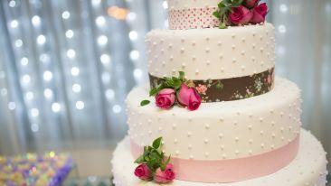 Weddings at Leisure Hotels Cake decoration