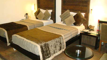 Hotel Shreyans Inn, Safdarjung Enclave, New Delhi Delhi Shreyans Inn Safdarjung Enclave New Delhi Deluxe Rooms11