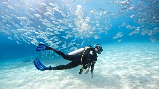 scuba-diving-phuket-with-aussie-divers