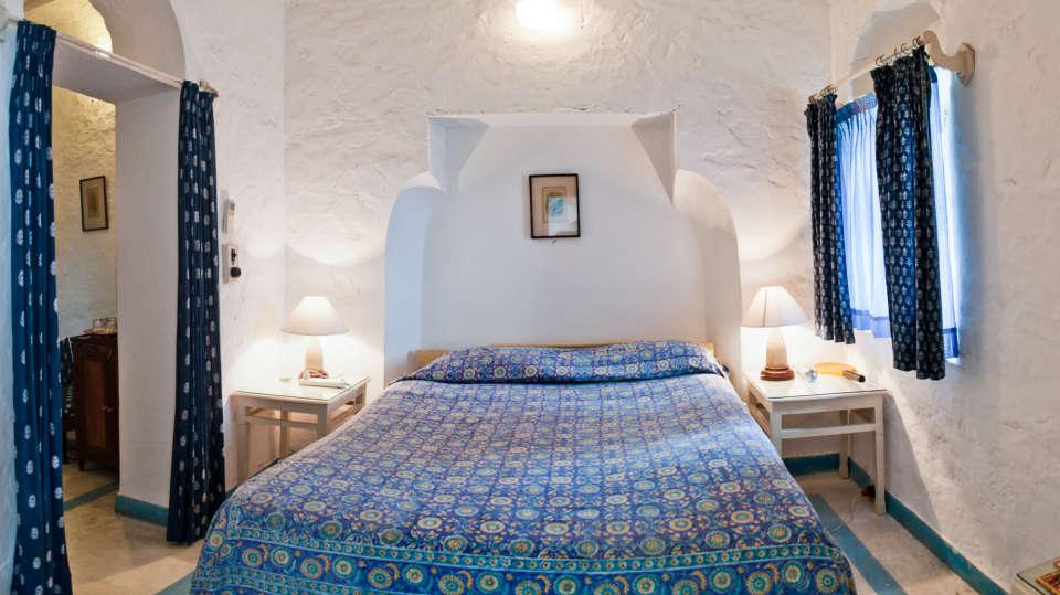 Hill Fort-Kesroli Alwar Neelkanth Mahal, resorts in Rajasthan