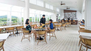 The Moro Pool Restaurant Hotel Panphuree Residence Phuket Food in Phuket