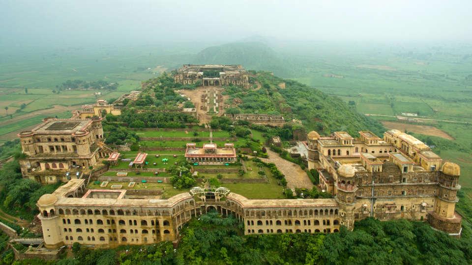 Facade_Tijara Fort Palace_Hotel In Rajasthan
