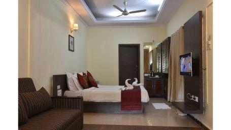 Grand Wood Cottage room Mahabaleshwar