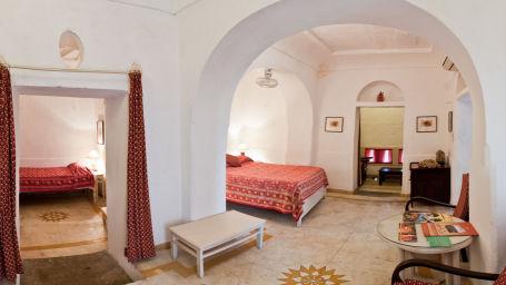 Hill Fort-Kesroli Alwar Raunak Mahal, Hotels in Alwar