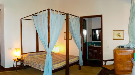 Crown Prince of Denmark Room, The Bungalow on the Beach Tranquebar, Hotels In Nagapattinam