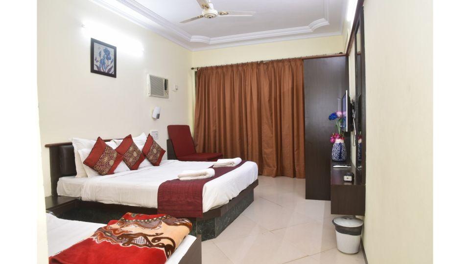 GrandWood Mahabaleshwar Mumbai Room