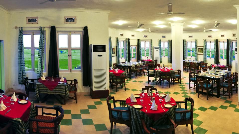 Dining Hill Fort-Kesroli - 14th C Alwar, Restaurants in Neemrana
