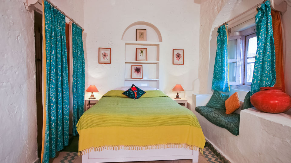 Hill Fort-Kesroli Alwar Tota Mahal, holiday hotels in Rajasthan