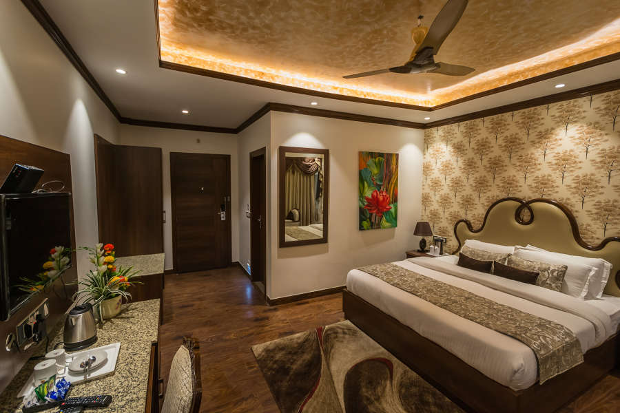 alt-text Luxury Rooms at The highland park manali 5