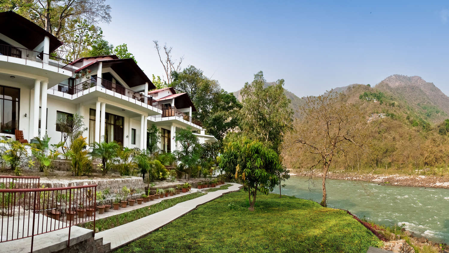 Aalia On The Ganges Hotel The Glasshouse On The Ganges Hotels Above Rishikesh