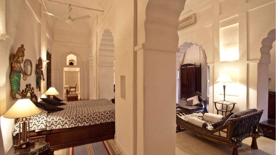 Neemrana Fort-Palace - 15th Century, Delhi-Jaipur Highway Neemrana Chandra Mahal Neemrana Fort-Palace Alwar Rajasthan