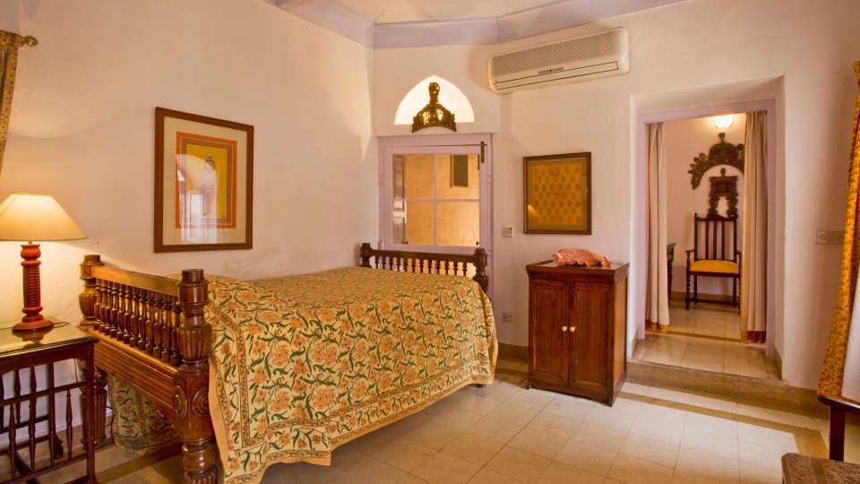 Neemrana Fort-Palace - 15th Century, Delhi-Jaipur Highway Neemrana Kesar Mahal Neemrana Fort-Palace Alwar Rajasthan