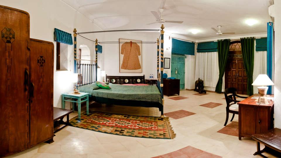 Neemrana Fort-Palace - 15th Century, Delhi-Jaipur Highway Neemrana Sahendra Mahal Neemrana Fort-Palace Alwar Rajasthan