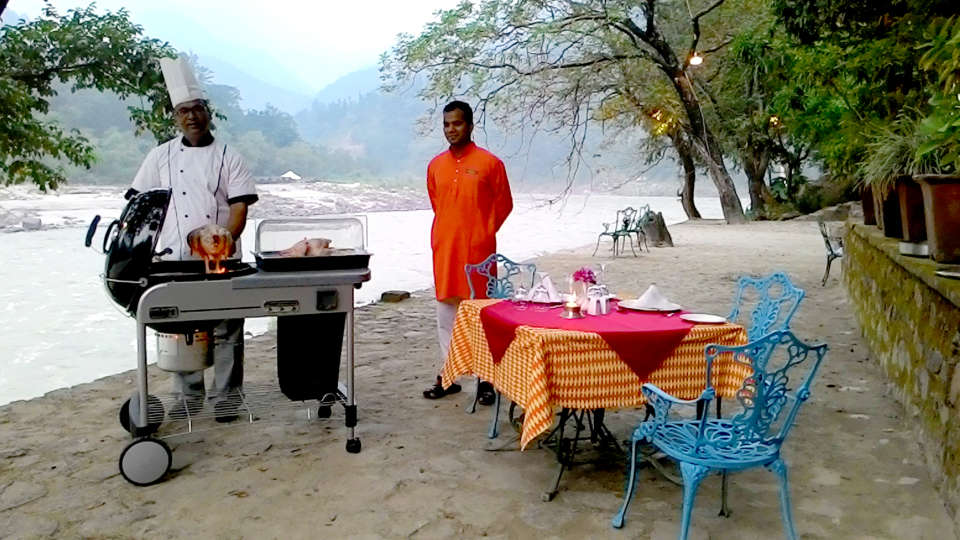 Dining The Glasshouse on the Ganges above Rishikesh Uttarakhand 1, restaurant in Rishikesh