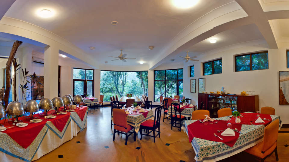 Dining establishment at The Glasshouse on the Ganges above Rishikesh Uttarakhand, restauramt in Rishikesh