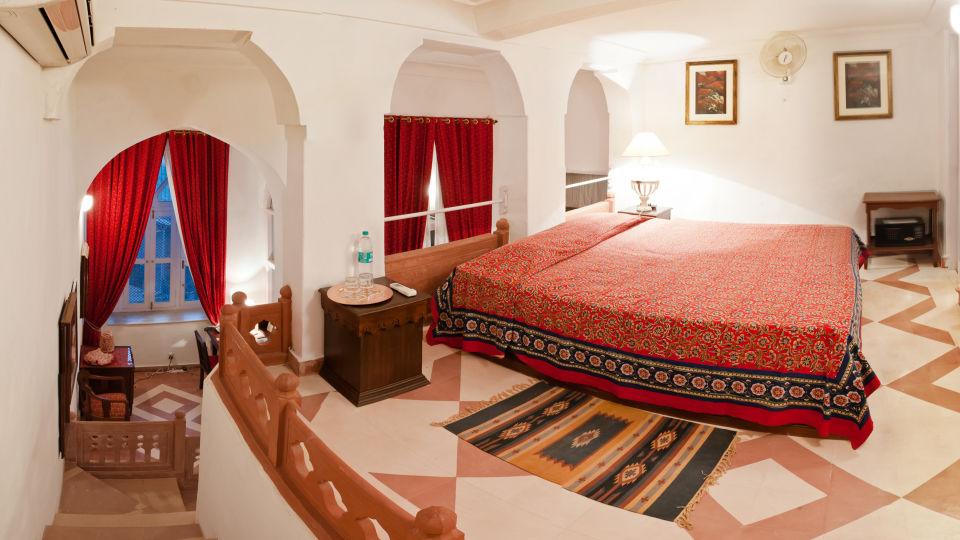 Neemrana Fort-Palace - 15th Century, Delhi-Jaipur Highway Neemrana Ekant Mahal Neemrana Fort-Palace Alwar Rajasthan