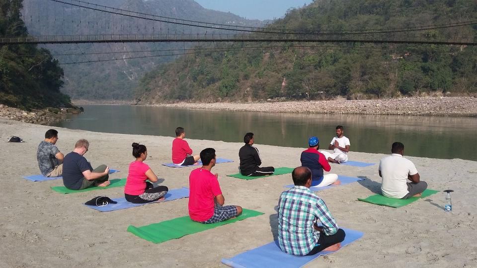 Blissful Yoga at the private white sand riverside at The Glasshouse on the Ganges above Rishikesh Uttarakhand 9, hotels in rishikesh