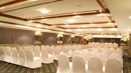 Senate at Aditya Park Hyderabad, hyderabad hotels near ameerpet metro station 1