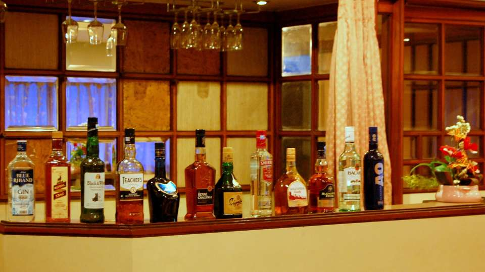 Hotel Raviraj, Pune Pune Bar counter hotel raviraj pune