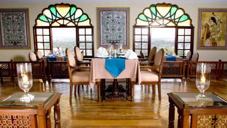 Indian Restaurant in Jaipur, Dhola Maru Restaurant at Clarks Amer 5 Star Hotel in Jaipur efaew3