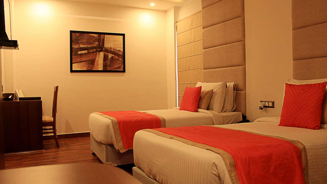 Executive Room Hotel Ascent Biz Noida